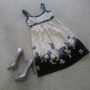 BCBG/ CREAM & BLACK EMBROIDERED SUN DRESS/NEW